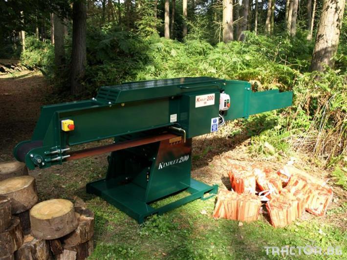 Машини за дърводобив Fuelwood Машина за Подпалки  AKM 200 0 - Трактор БГ